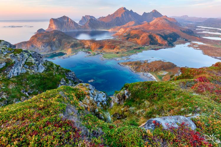 Offersøykammen, Vestvågøya, Lofoten islands, Norway | Офферсёйкаммен, Вествогёя, Лофотенские острова, Норвегия